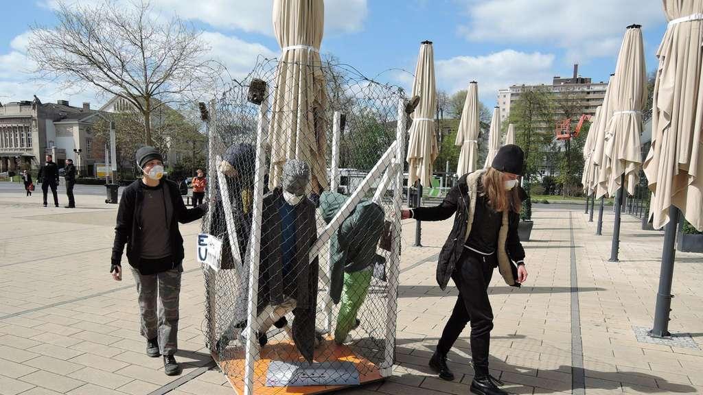 Zu Unrecht Verboten: Coronakompatibler Protest gegen die Einschränkung der Versammlungsfreiheit am Diensrtag auf dem Berliner Platz. © Burkhard Moeller